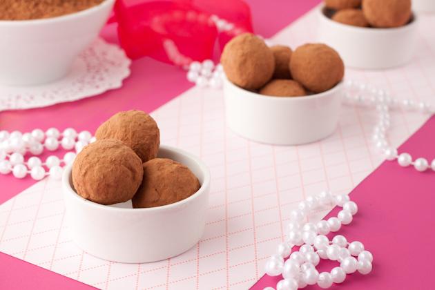 Sugar-Free Cacao Truffles1